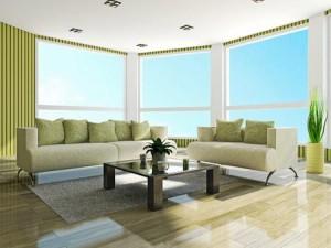 Wohnzimmer mit streifenfrei geputzten Fenstern