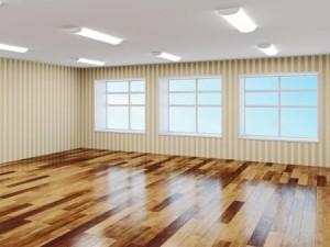 Laminat-Boden glänzend sauber geputzt